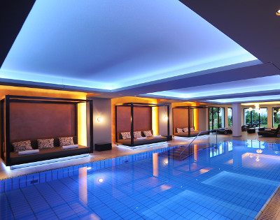 SPA Indoorpool im Schlosshotel